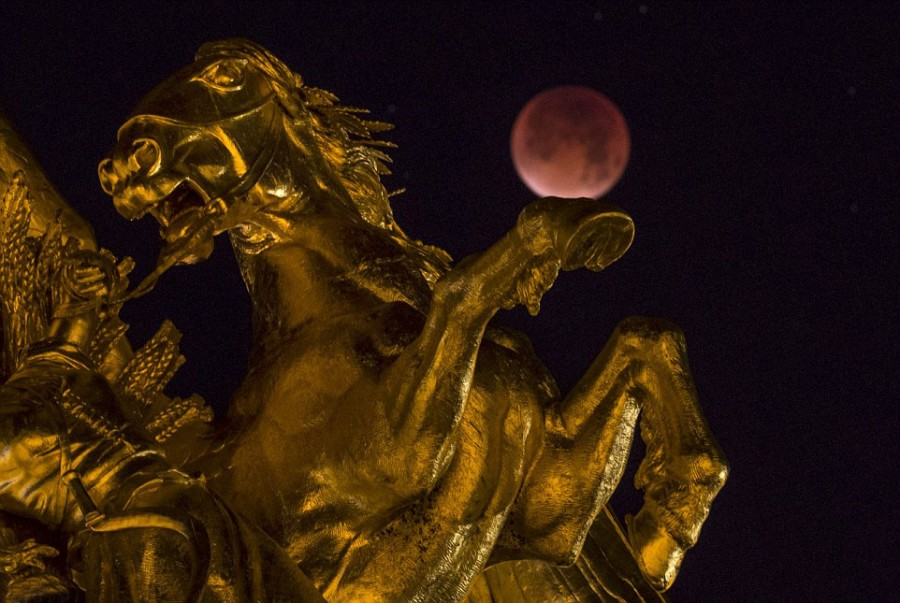 9  Париж памятник Александру III.jpg