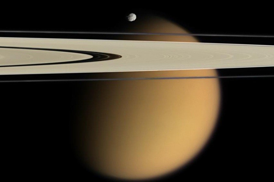 7 Saturns-rings-and-Titan.jpg