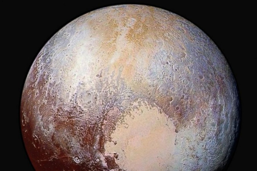 8 pluto in false color.jpg