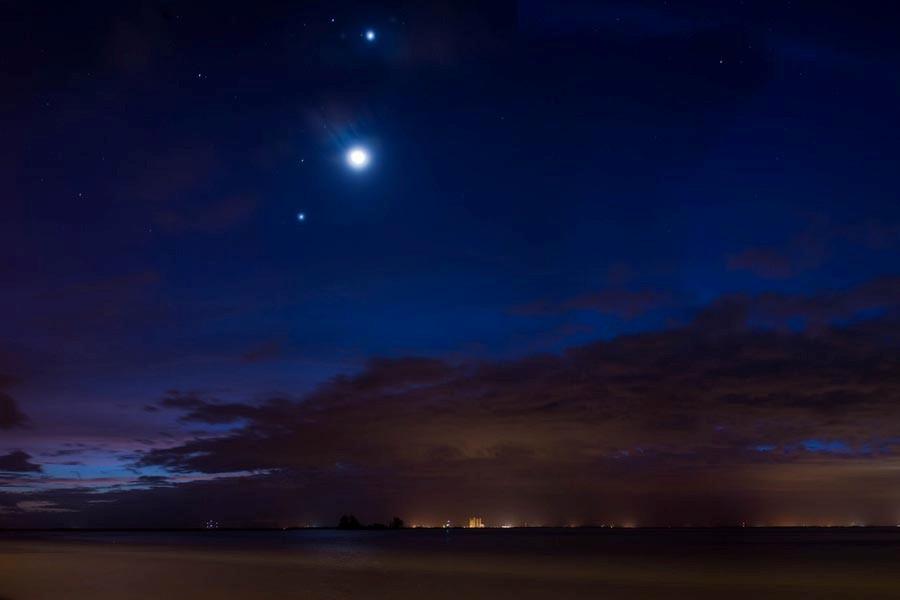 2 venus moon 10-9-2015 Ted schultz Florida.jpg