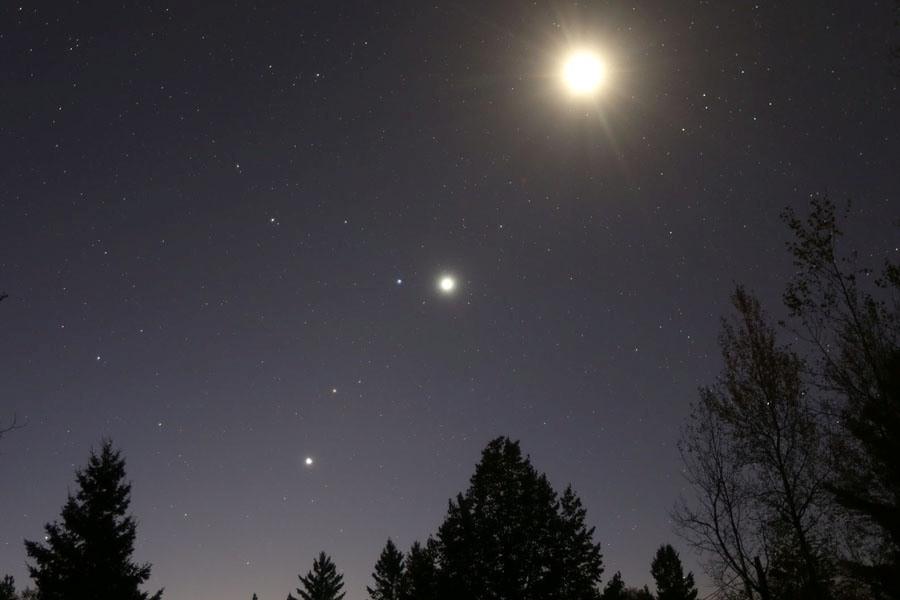 5 Venus-planets-moon-Oct 7 2015.jpg