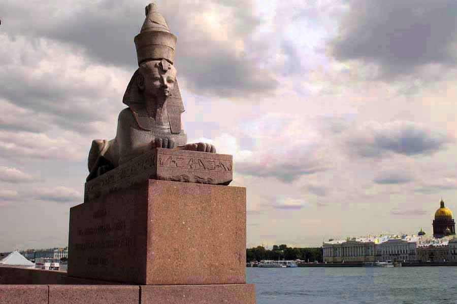 3 - Сфинкс Аменхотепа III   в  Санкт - Петербурге.jpg