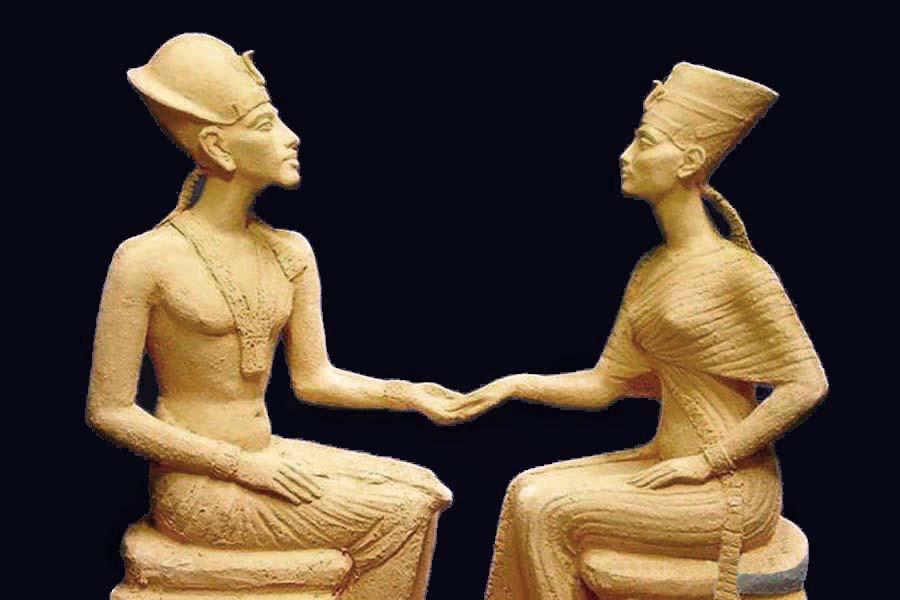 13 Эхнатон  и Нефертити.jpg