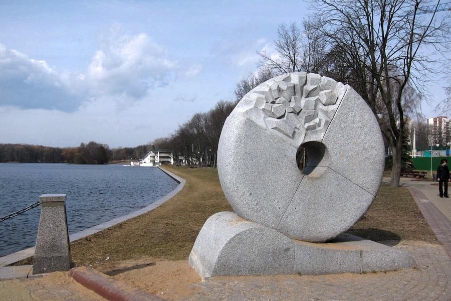 4 Скульптура Млын Пярэспы. Константина Селиханова.jpg