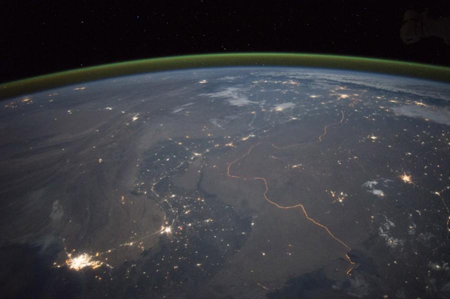 Граница между Индией и Пакистаном ночью. 23 сентября 2015 года.jpg