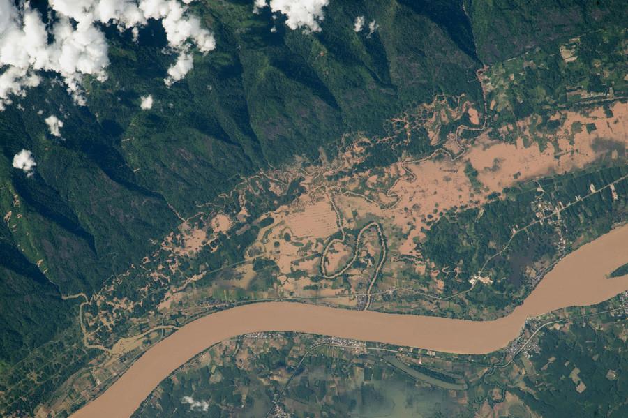 Наводнение на реке Меконг, Таиланд и Лаос. 8 августа 2015 года.jpg