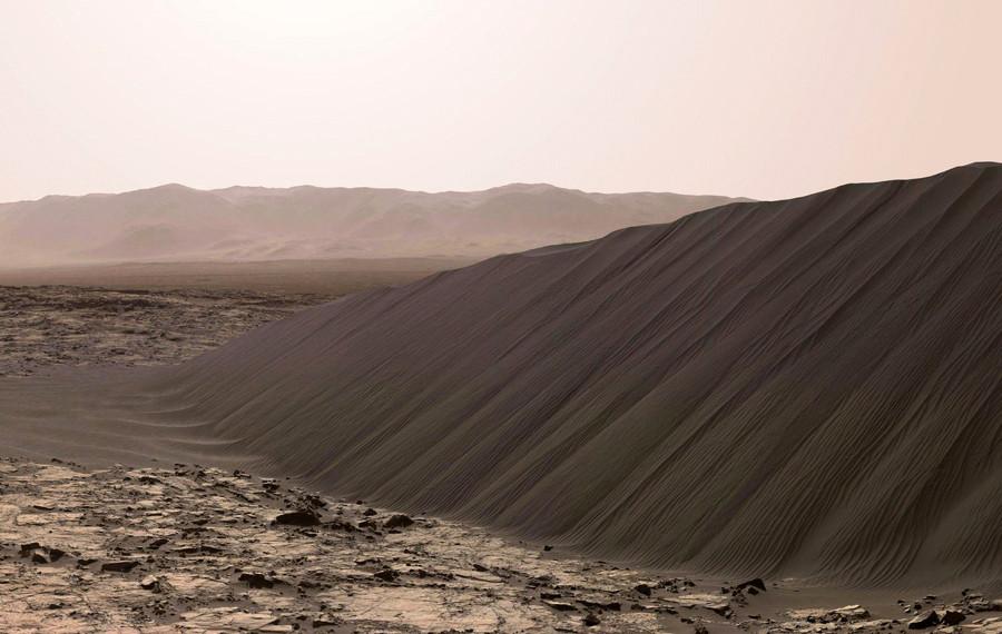 2Дюна Намиб  в  кратере  Гейла.jpg
