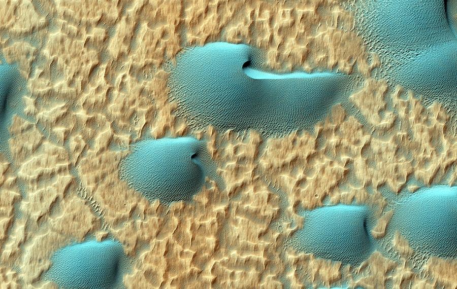 Голубые  дюны  на  Марсе, HiRISE.jpg