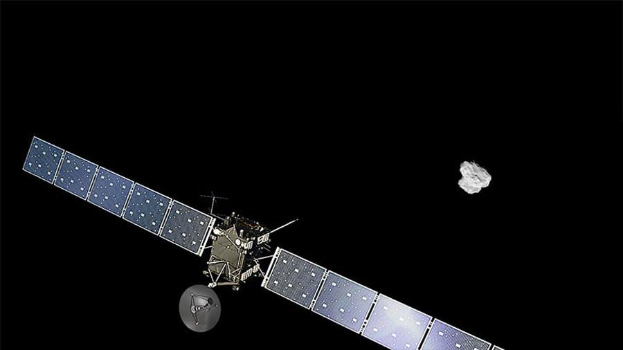 Rosetta_approaching_comet.jpg