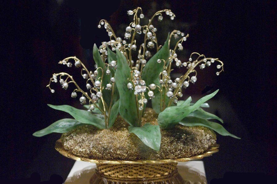 2 lilies of the valley basket -.jpg