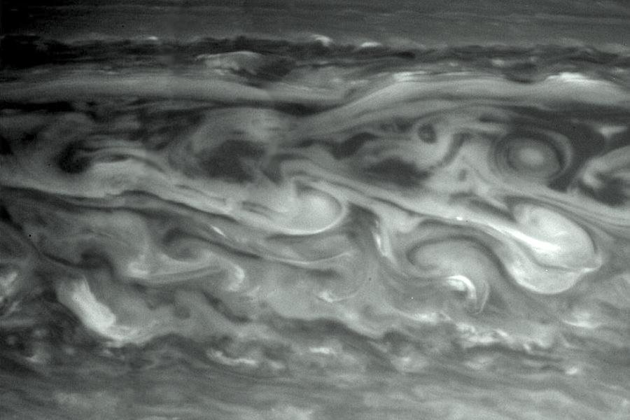 6 Облака  на  Сатурне.jpg