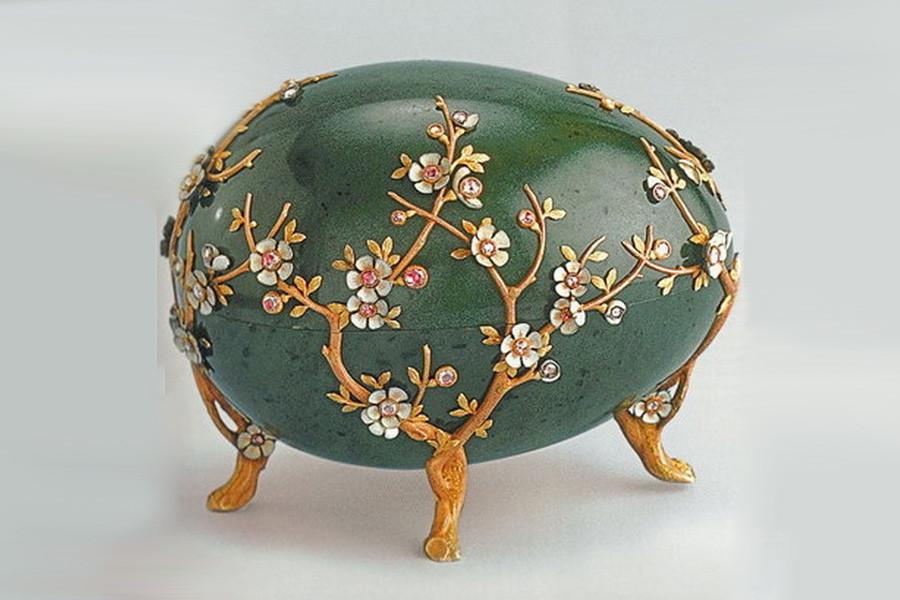 17 б Яйцо Фаберже «Цветы яблони» 1901г..jpg