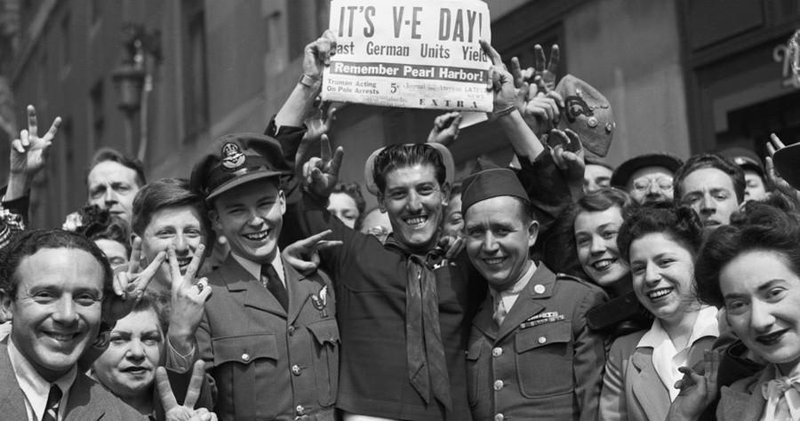 4 Нью -Йорк, день  победы, 1945.jpeg