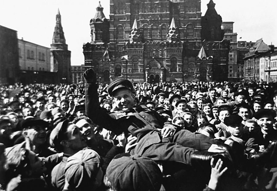 9 мая 1945 Москва.jpg