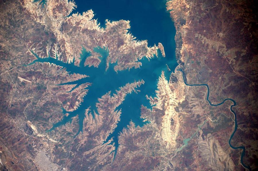 4 Озеро Ататюрка.jpg
