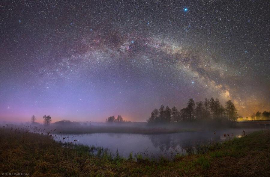 Млечный  путь над Березинским  заповедником.jpg