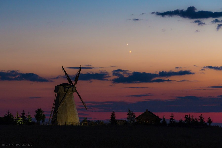 Юпитер  и  Венера  Виктор Малыщиц 1 июля 2015.jpg