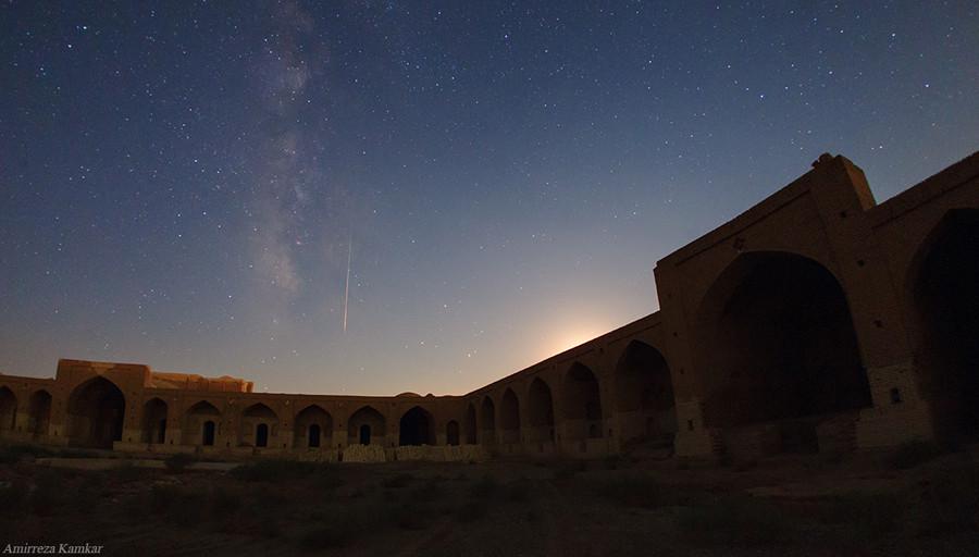 9 Амир Камкар Иран Каравансарай 11 авг.jpg