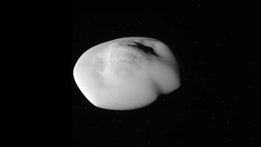 6 Аtlas Photo taken by Cassini on 12 April 2017.jpg