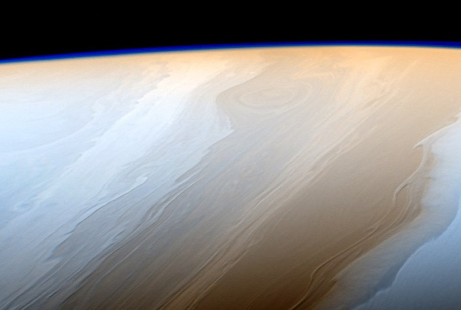Облака  Сатурна.jpg