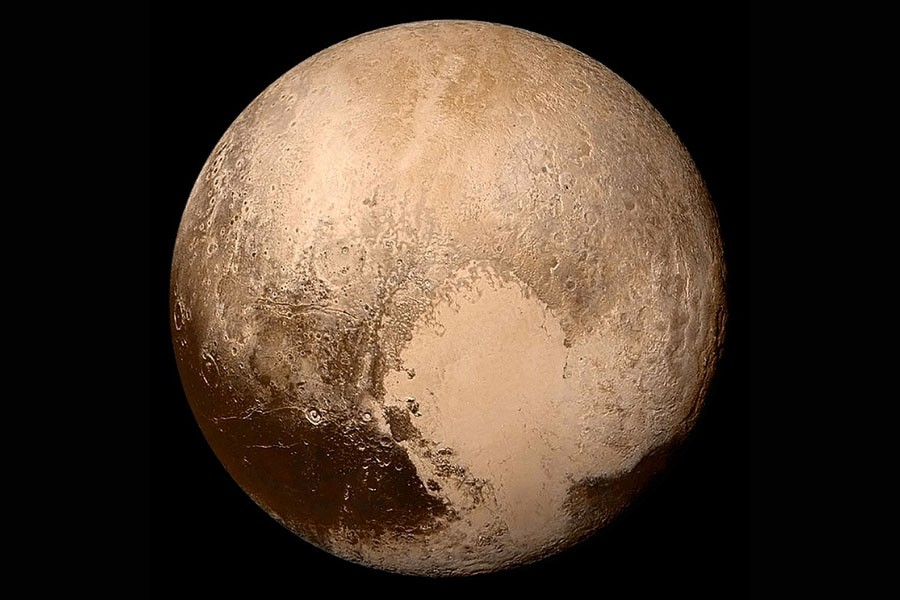 0 pluto-in-true-color_.jpg