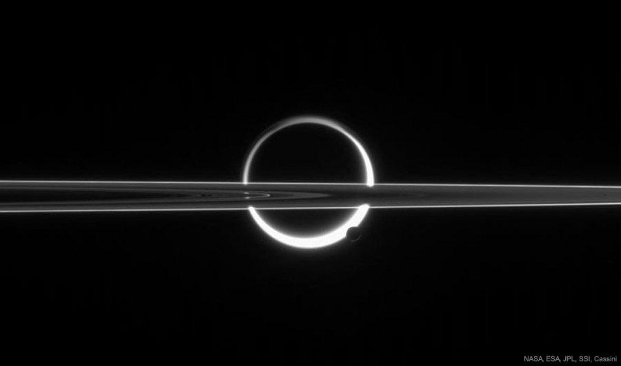 TitanBusy_Cassini_1080.jpg