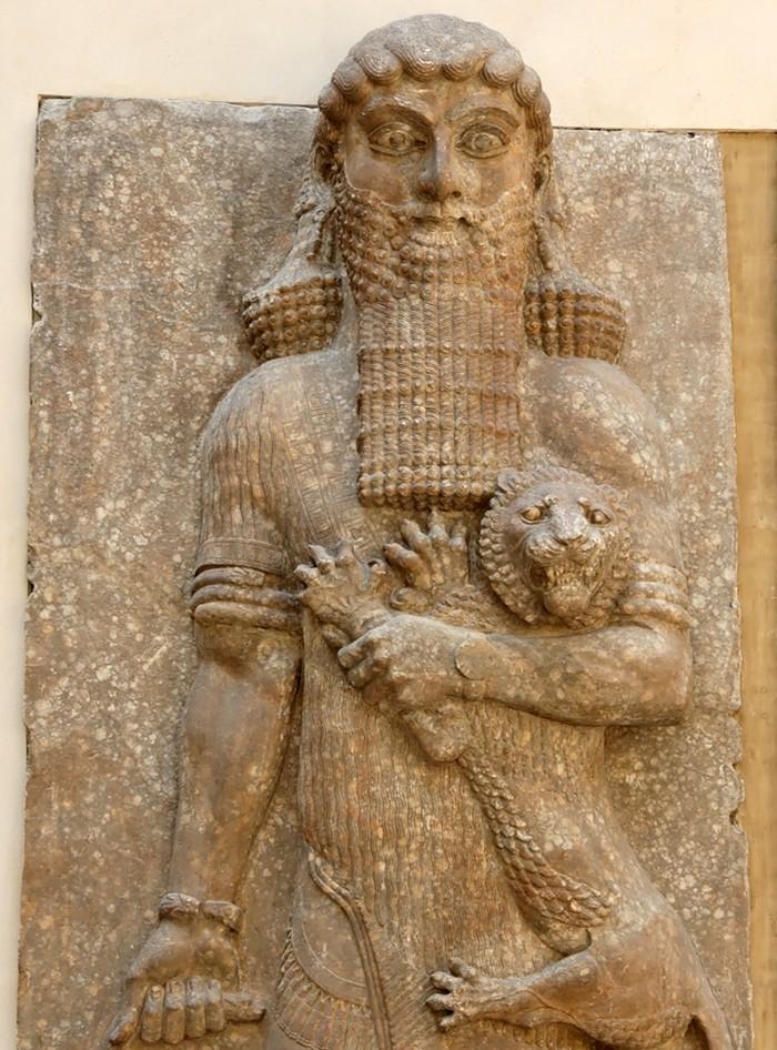 Вавилонский  царь  с  котом -львом