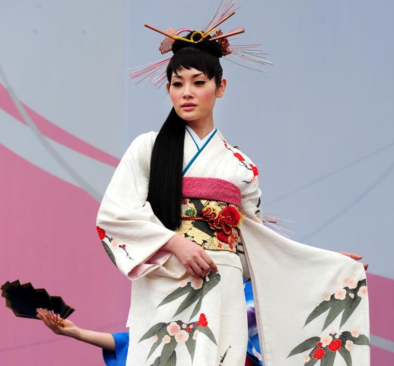 острове был фото прически для японского платья многих послеродовое выпадение