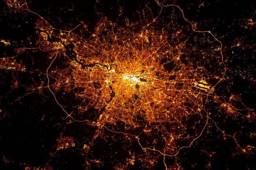 Фото ночной москвы из космоса