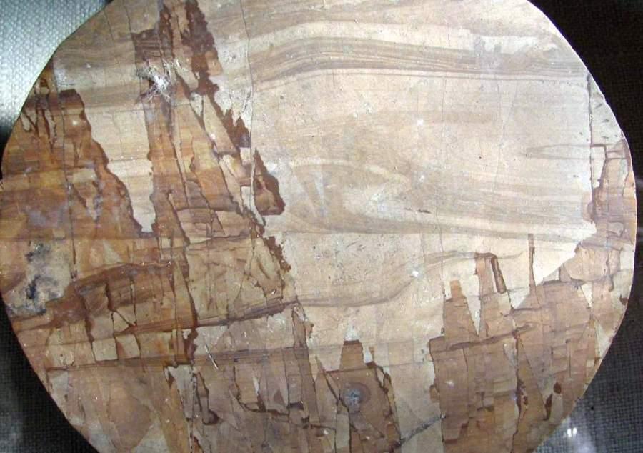 Кальцит. Пейзажный руинный мрамор