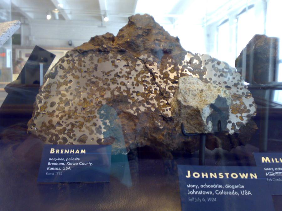 7 Brenham_meteorite_slice
