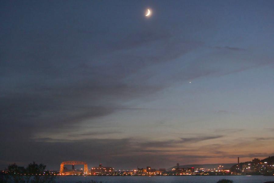 Луна  и  Венера