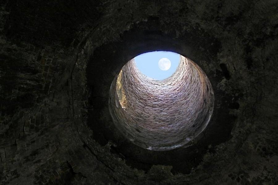http://ic.pics.livejournal.com/galeneastro/32190196/955531/955531_original.jpg