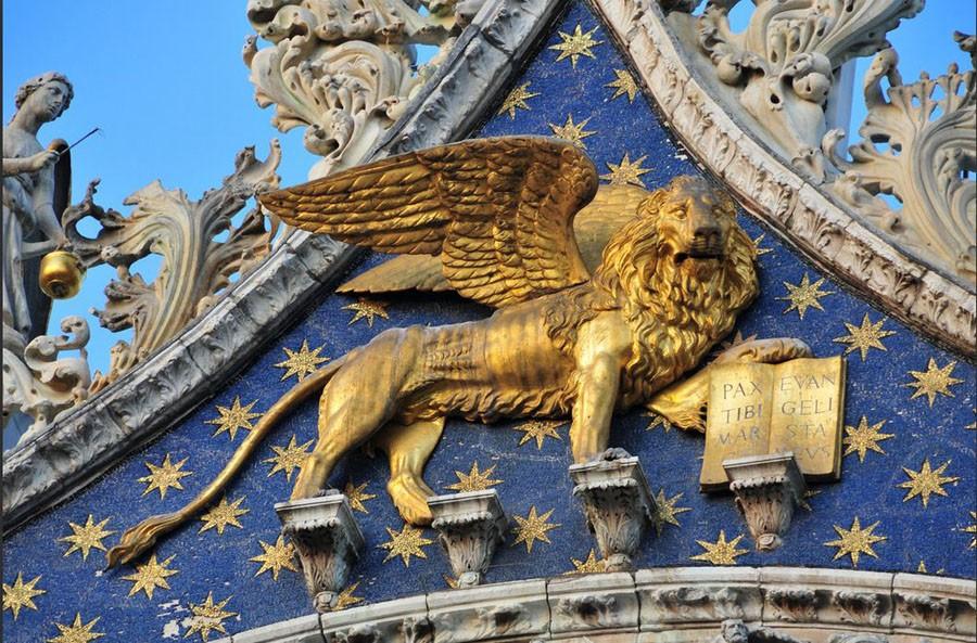 http://ic.pics.livejournal.com/galeneastro/32190196/998298/998298_900.jpg