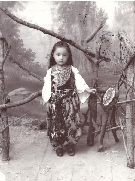 албанская девочка