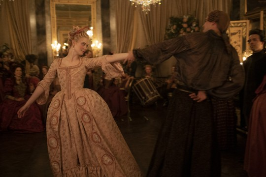 """Танец Екатерины и Петра очень похож на танец герцогини Мальборо в """"Фаворитке"""". Источник: Соцсети"""
