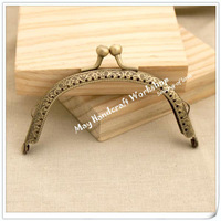 Free-Shipping-10cm-Arc-Antique-Brass-Bronze-Metal-Purse-Frame-with-Cute-Kiss-Lock-Metal-Frames.jpg_200x200