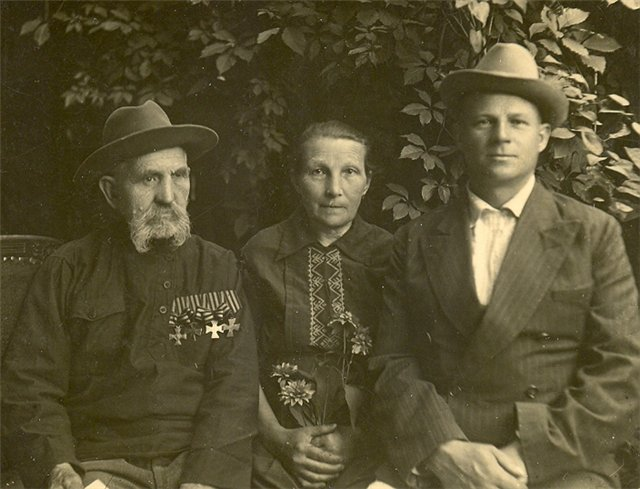 Георгиевский кавалер Ерёменко Михаил. Три креста «муляжные», взамен утраченных. 1949 год.