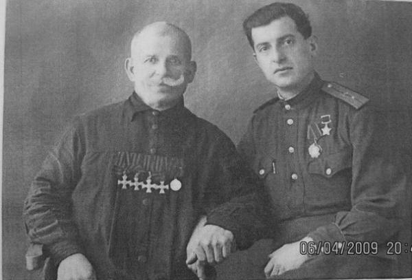 Герой Советского Союза Ткабладзе Константин Евстафьевич и Георгиевский кавалер Мамрикишвили Д.И. (2)