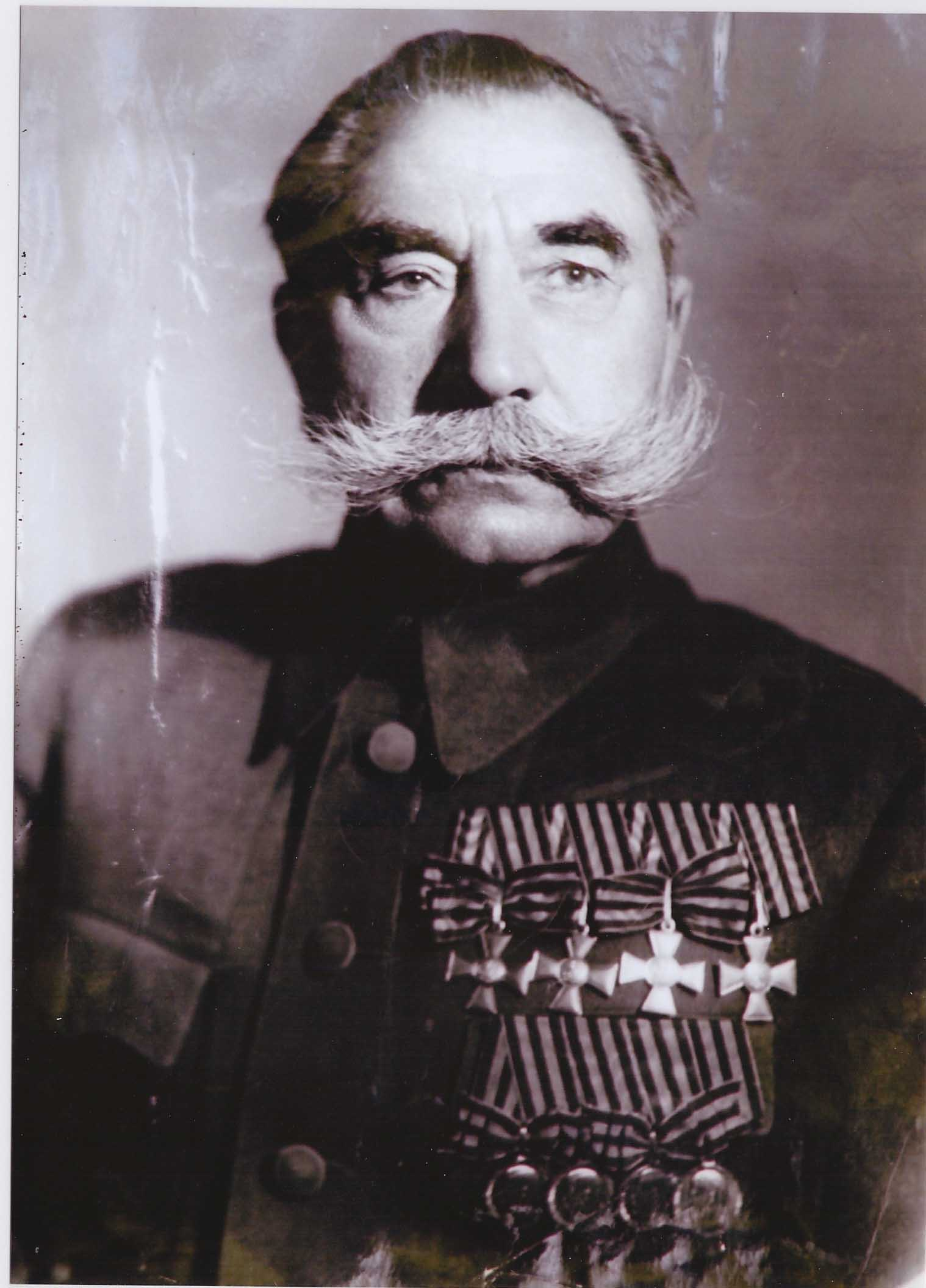Маршал Советского Союза Будённый С. М. во френче с царскими наградами