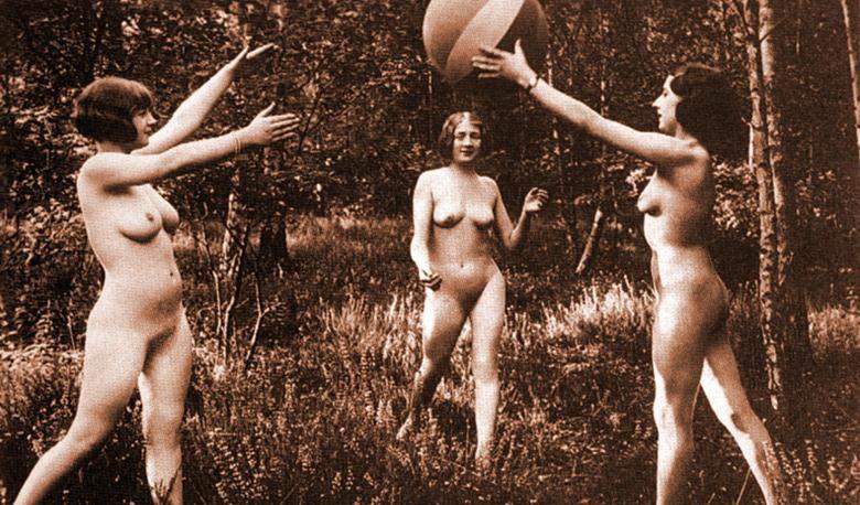 eroticheskie-foto-nemetskih-zhenshin-zheni-sosut-kollektivno-smotret