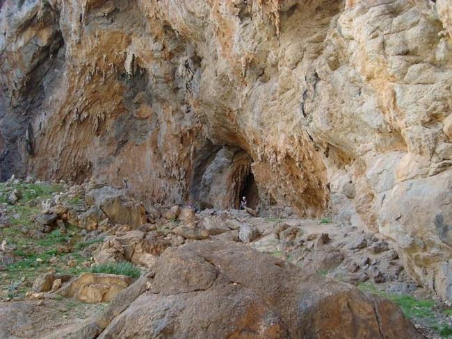 Миф 4 Чтобы укрыться, нужно найти пещеру или сооружение с навесом