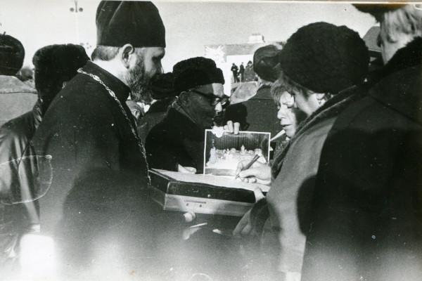 Священник Георгий Докукин собирает подписи за возрождение х.Христа Спасителя