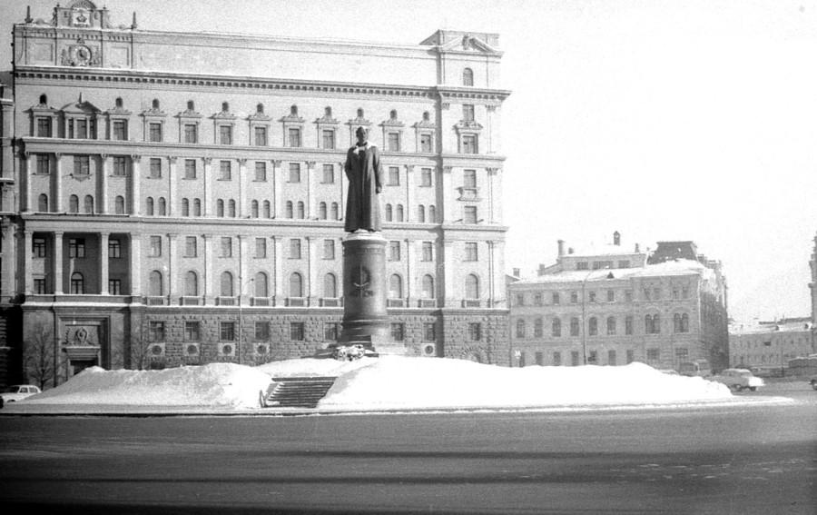 пл.Дзержинского, 1969-70гг