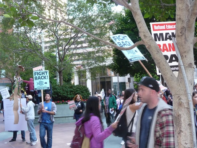 """Митинг """"Захвати банки!"""" в Сан-Франциско"""