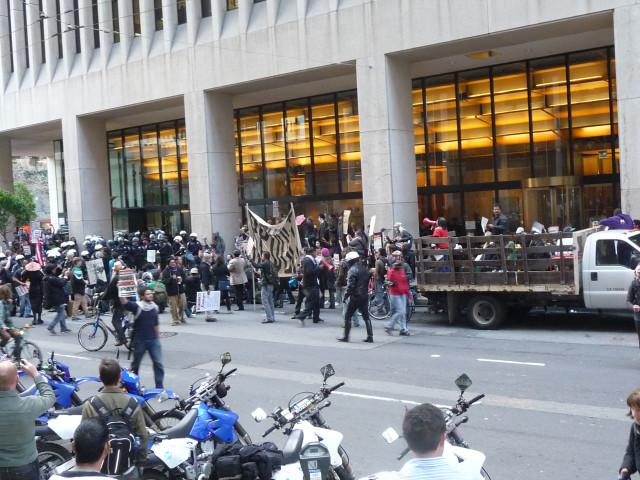 """Митинг """"Захвати банки"""" в Сан-Франциско"""