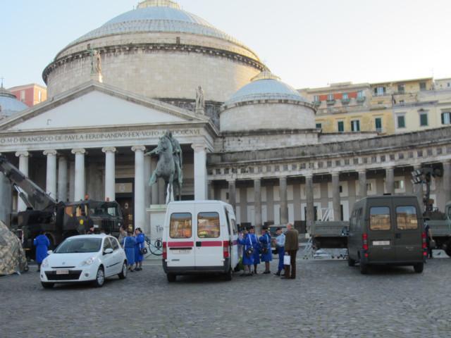 Площадь Плебесцита в Неаполе 4 мая