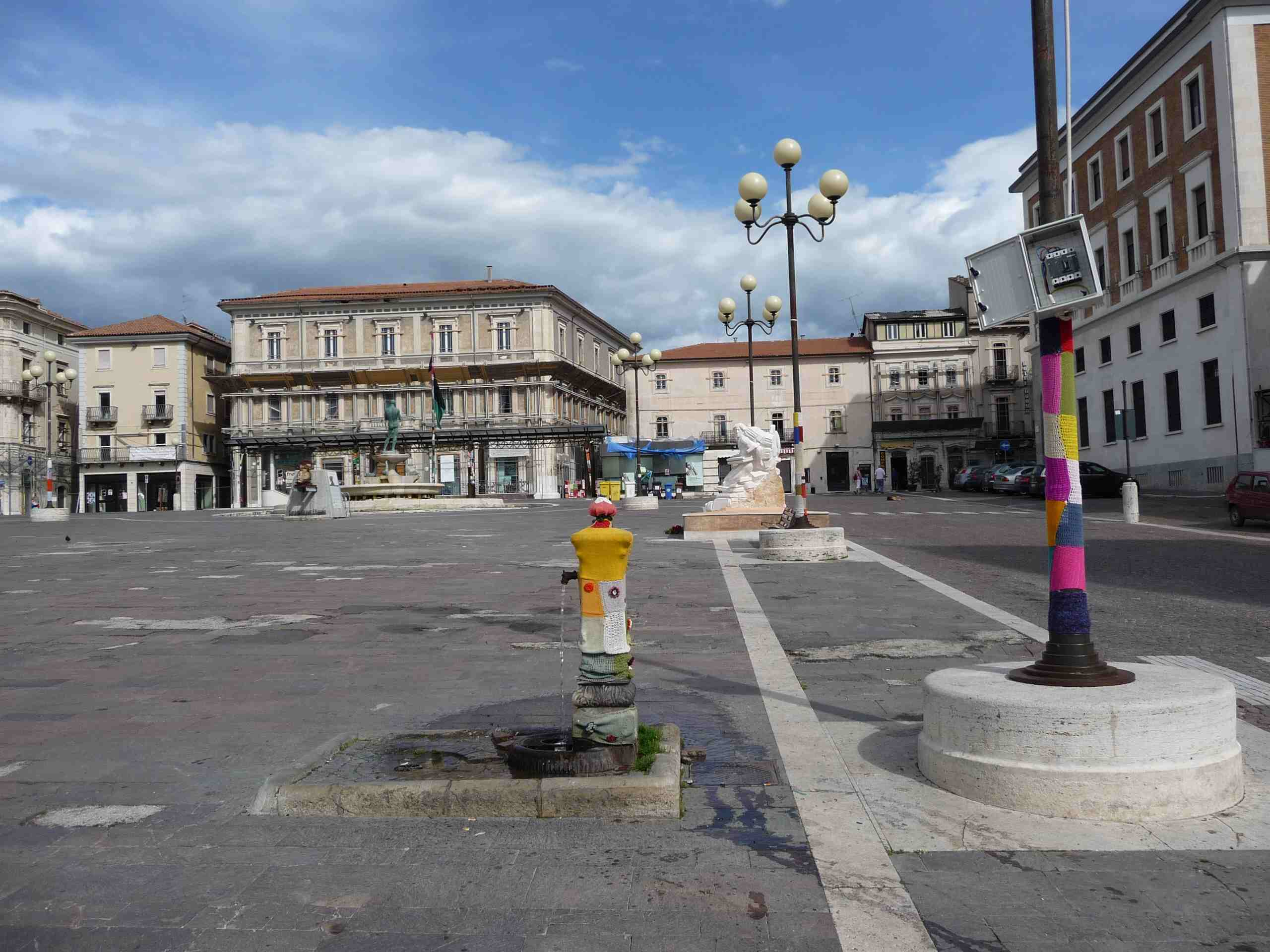 Л'Акуила. Площадь Duomo. 2012.