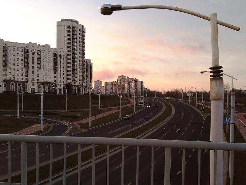 Вид в сторону от проспекта