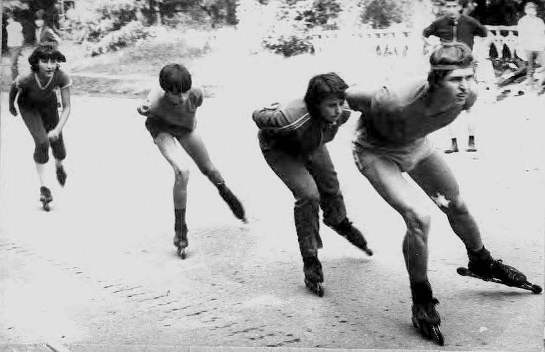 тренировка конькобежцев на роликах
